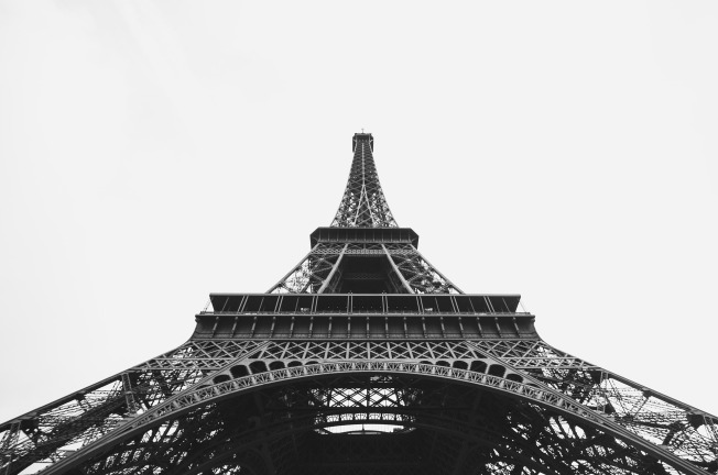 eiffel-tower-1149926_1920